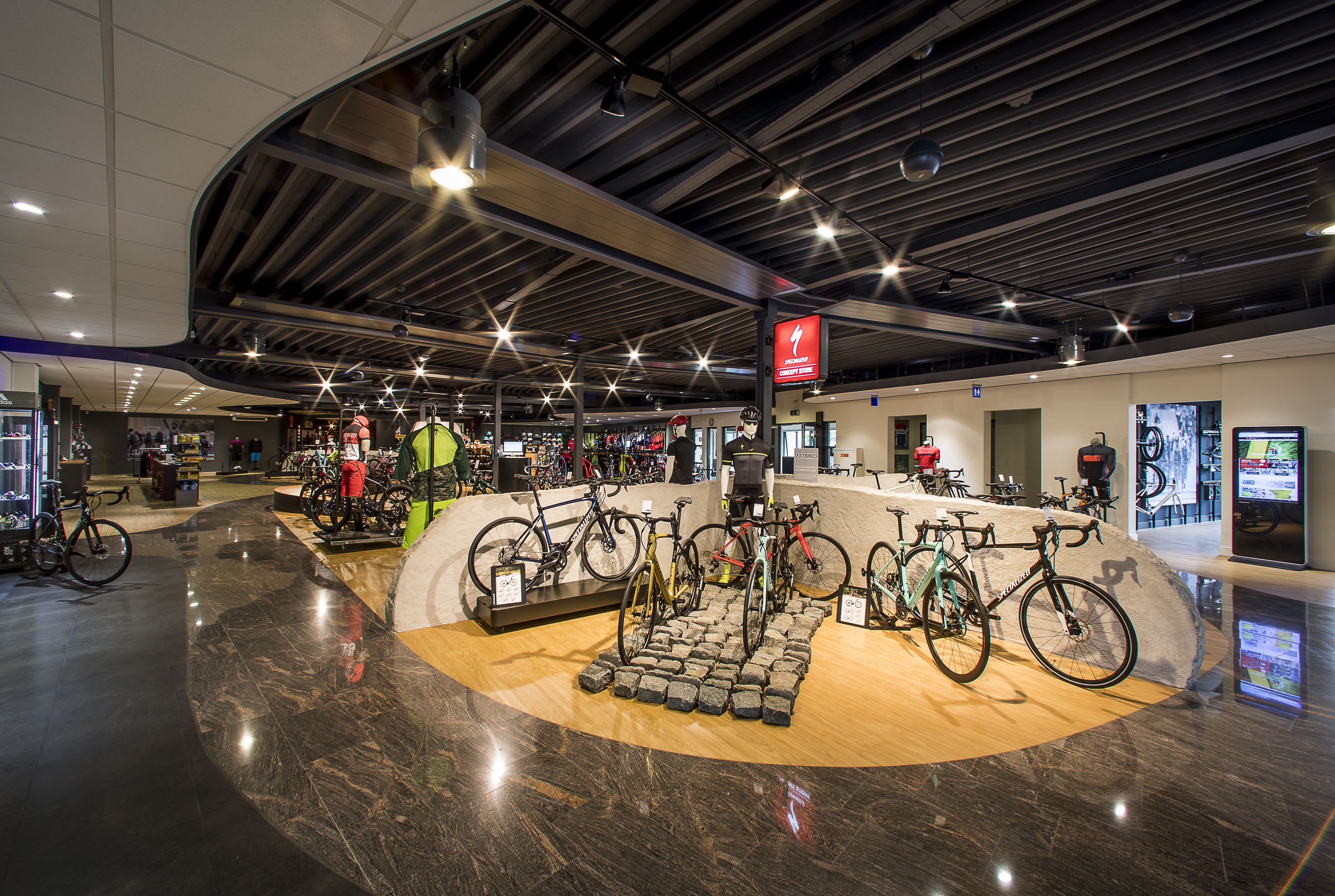 Rings-Goirle specialized conceptstore